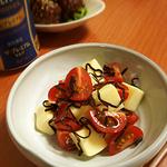 ミニトマトとチーズの塩こんぶ和え